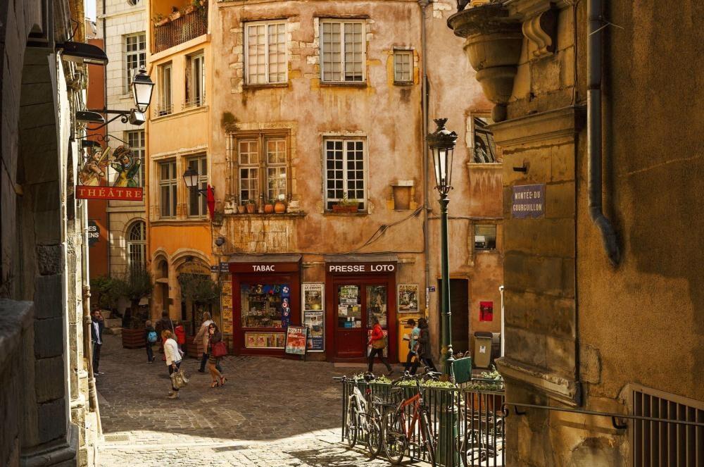 Thèmes de ce mois de décembre: L'Italie, Lyon & la Savoie
