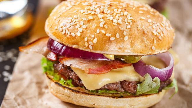 bacon-cheeseburger-123rf.jpg